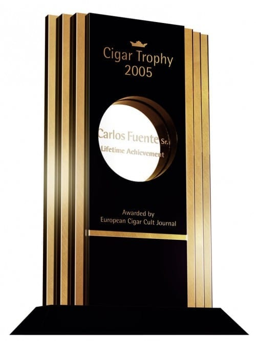 eccj cigar trophy 2005 lifetime achievement carlos fuente sr