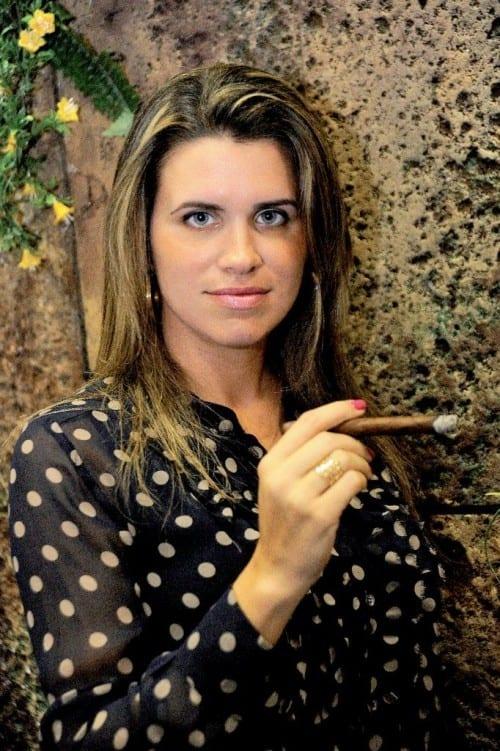 monika kelner tabadom tobacco leaf sorting portrait cigar