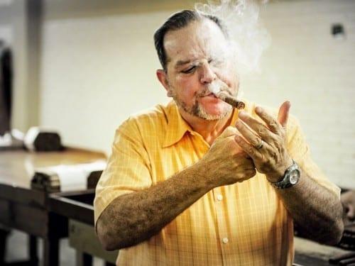 alejandro martinez cuenca joya de nicaragua lighting up cigar factory