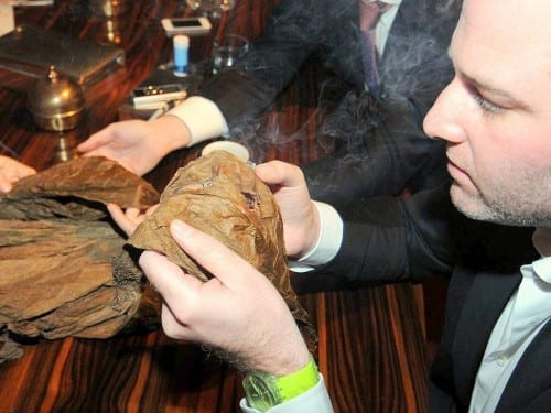 joshua meerapfel inspecting wrapper maier meerapfel soehne sa mms belgium