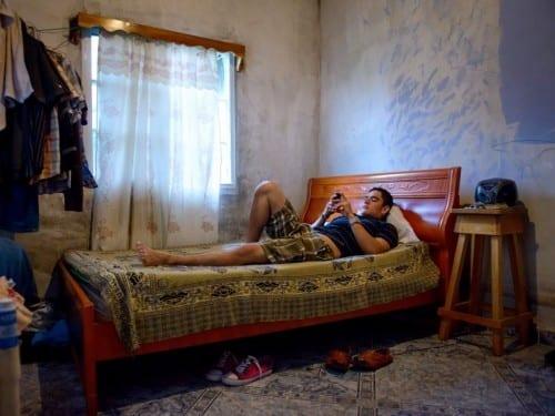 emmanuel martinez relaxing at home panama caribbean cigar factory