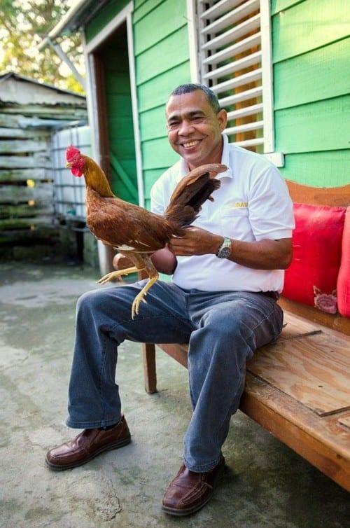ramon emilio cruz inspector davidoff villa gonzalez with rooster champion cock fighting