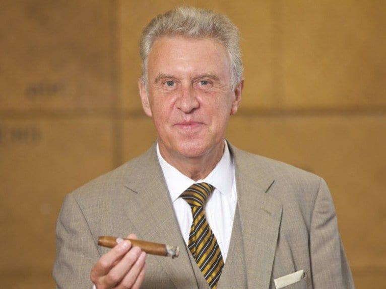 maximilian herzog am hafen berlin potrait cigar