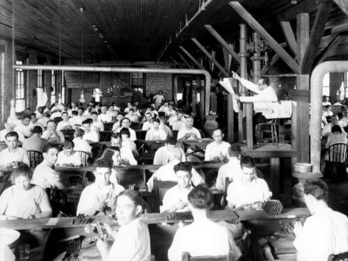 burgert brothers cigar makers and the lector at cuesta rey factory 1929