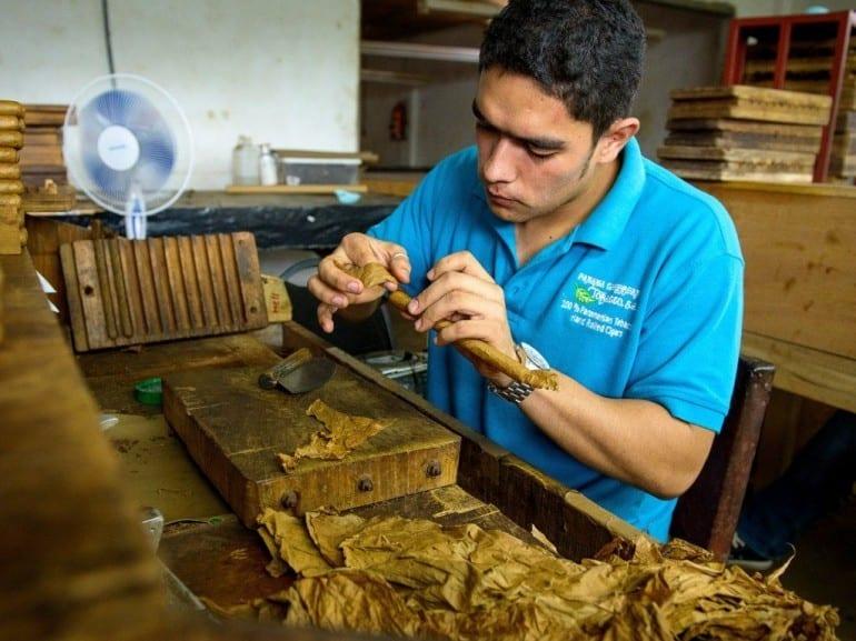 emmanuel martinez one day cigar roller panama caribbean