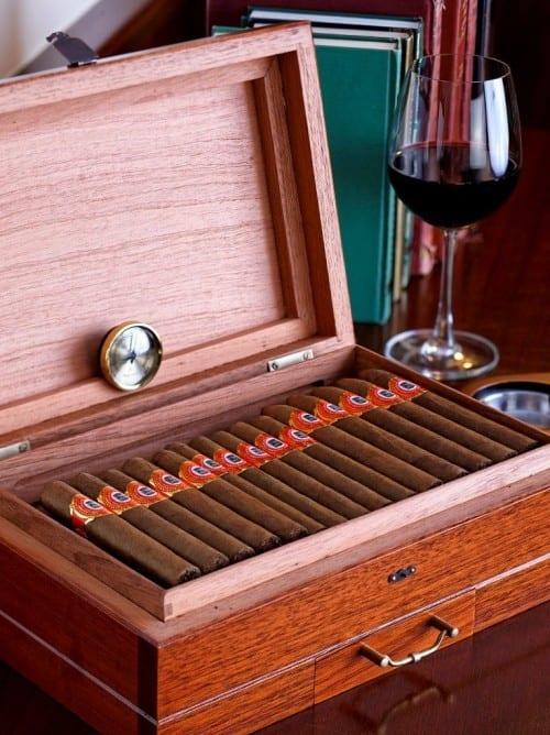tabacalera incorporada humidor de luxe cigars