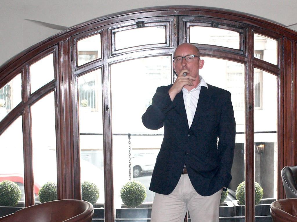 jj fox rob fox smoking lounge london