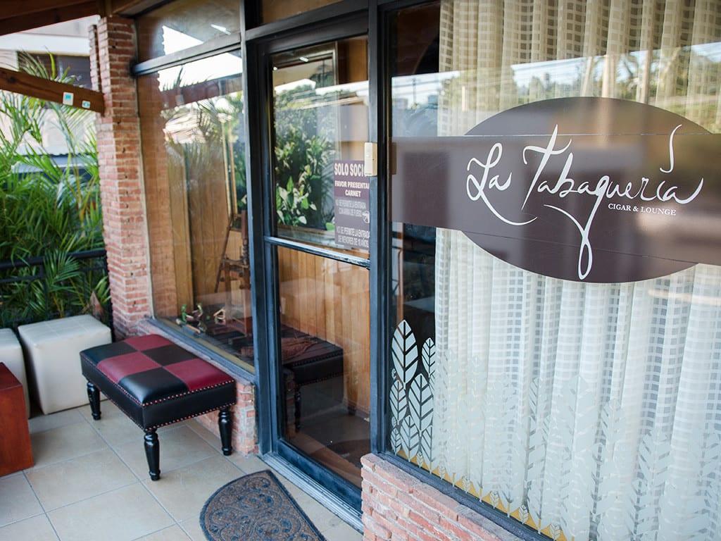 la tabaqueria cigar lounge kelner santiago dom rep