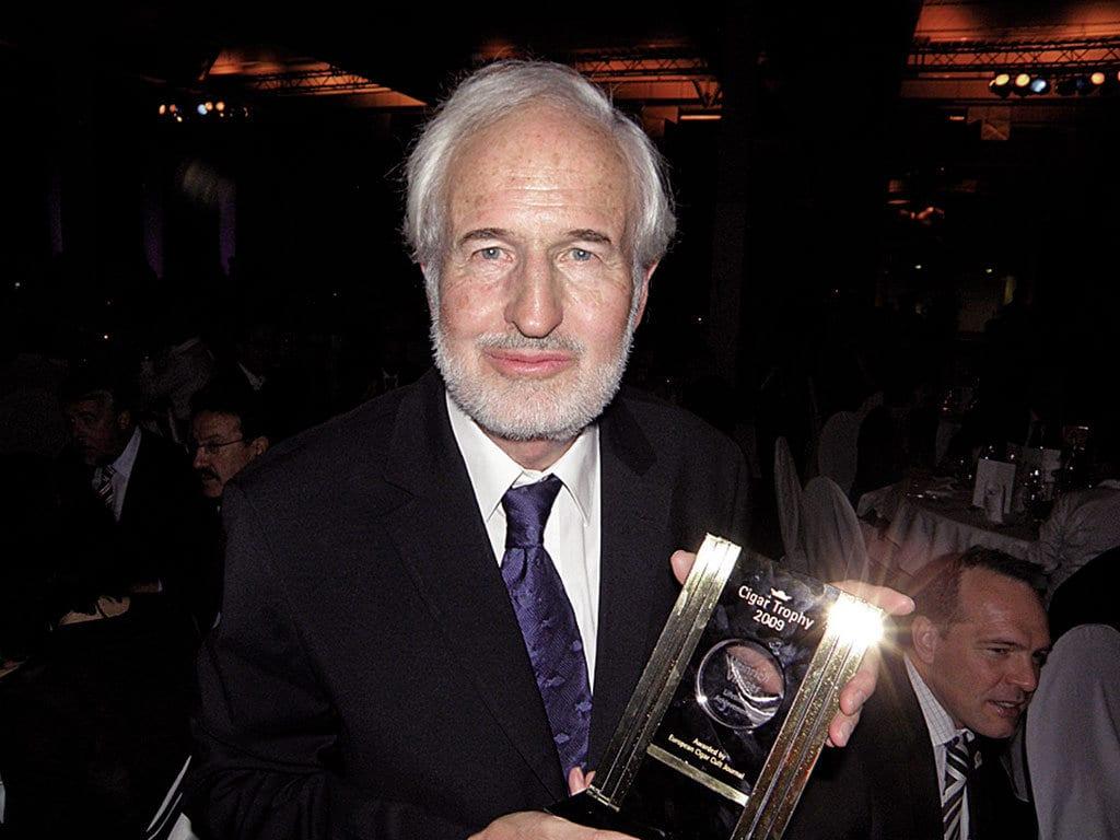 heinrich villiger cigar journal lifetime achievement award ecj trophy 2009