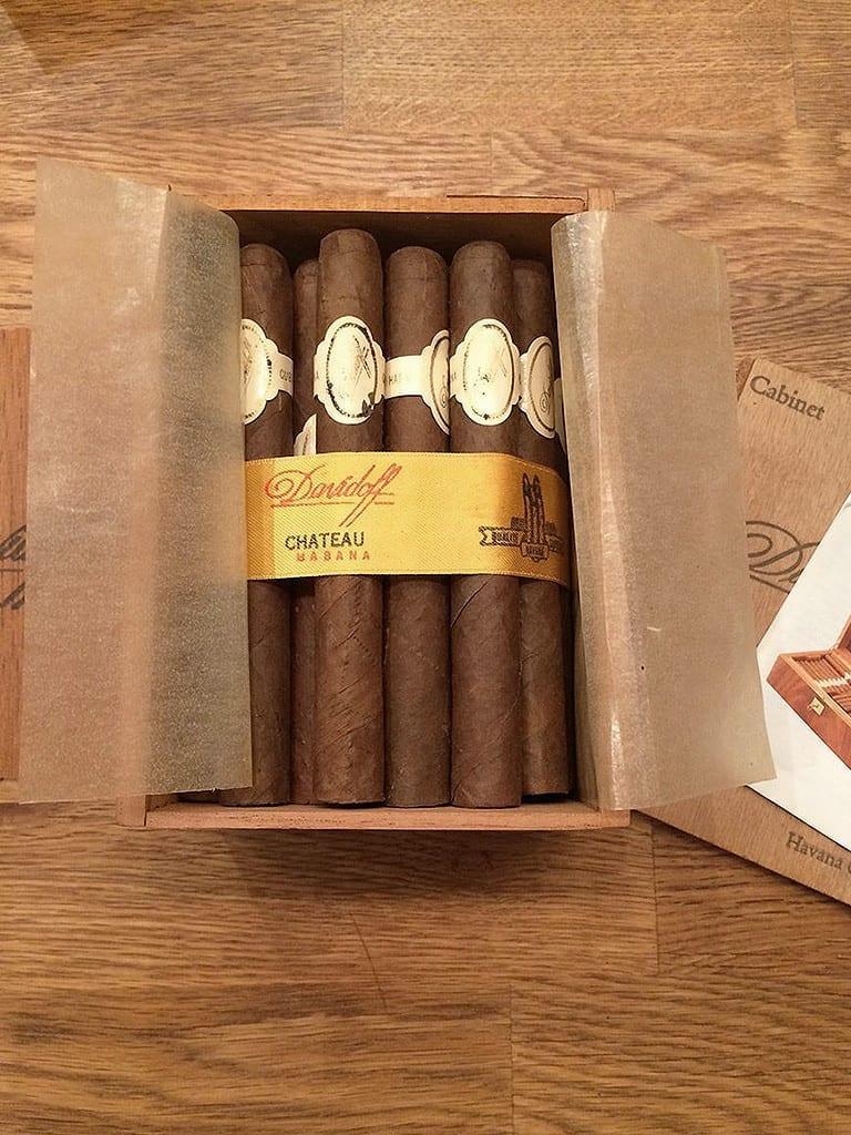 davidoff chateau havana vintage box open
