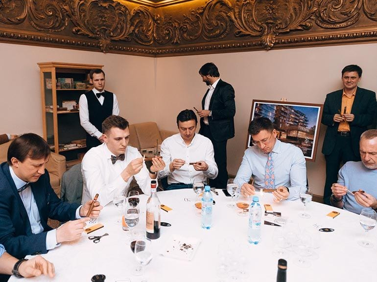 cigar-smoking-world-championship-russia-2016