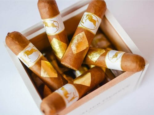 Cavalier Geneva White Label Cigars