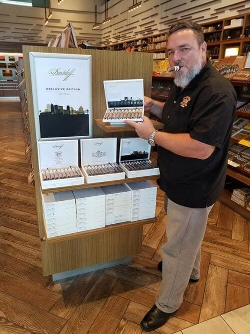 Davidoff of Geneva Tampa Shop and Lounge