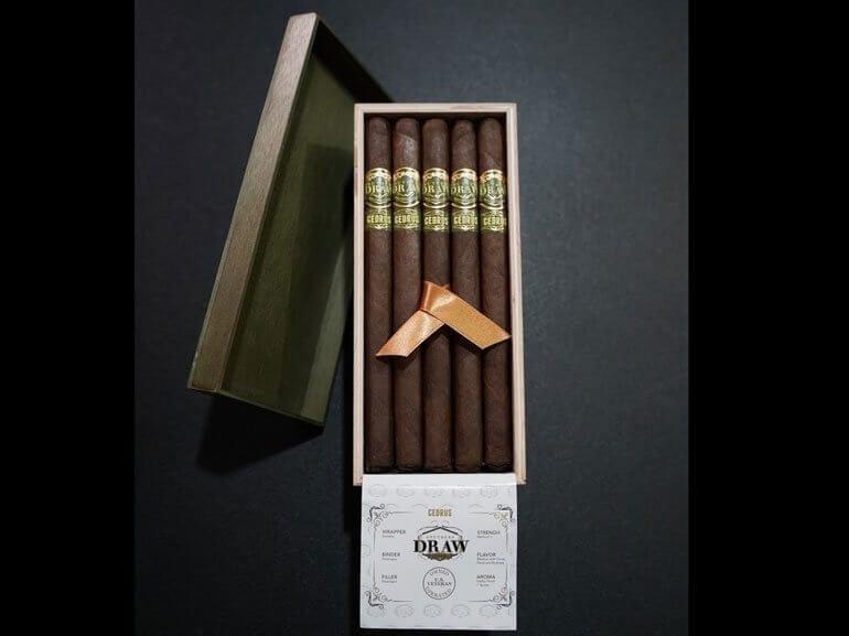 CEDRUS Lancero at TPE 2020 Cigars