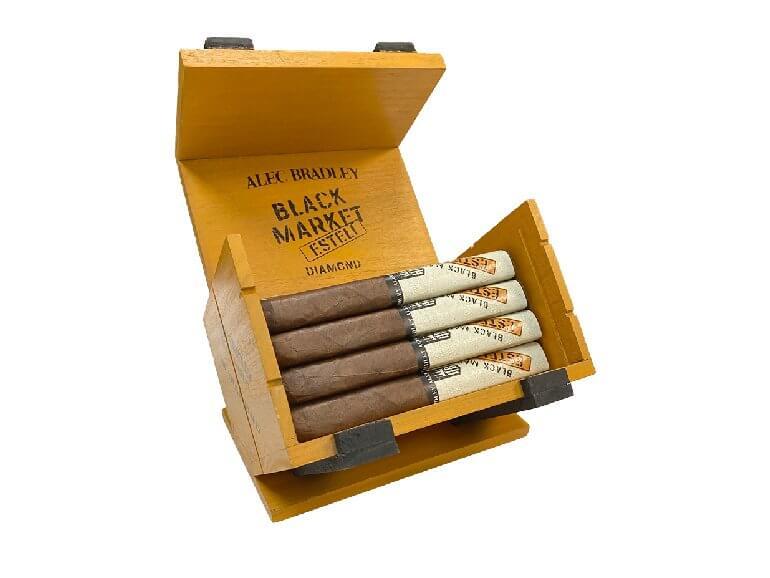 Alec Bradley Black Market EstelÍ Diamond